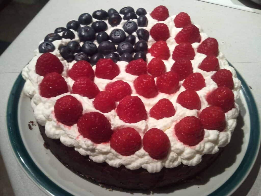 foruth of july berry cheesecake on a plate