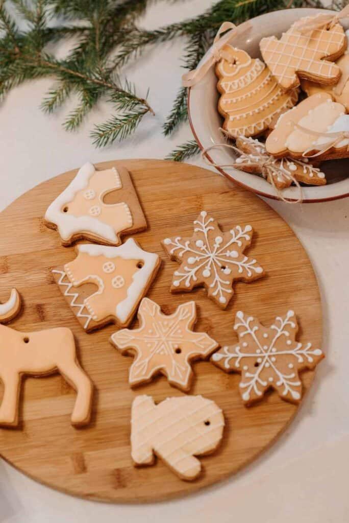20 Holiday Keto Cookie Recipes